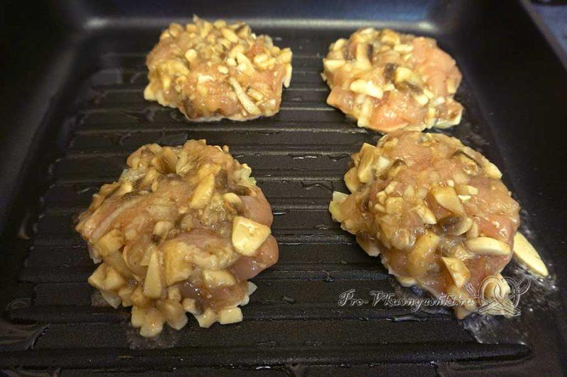 Рубленые куриные котлеты с грибами - формуем котлеты