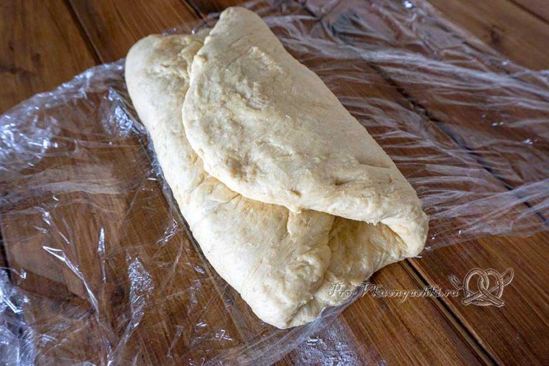 Еврейская хала - обминаем тесто