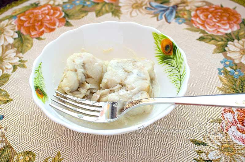 Соте из рыбы - разминаем вилкой рыбу
